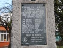 Uroczystości patriotyczne w Deszkowicach, 7 kwietnia, fot. Pan Roman Zegarlicki