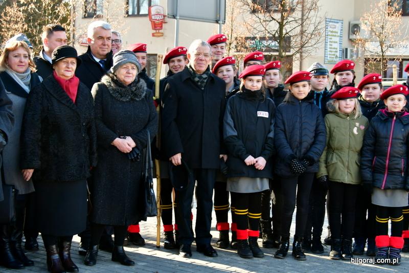 Światowy Związek Żołnierzy Armii Krajowej O/Z Koło Rejonowe Biłgoraj oraz Zespół Szkół Zawodowych i Ogólnokształcących w Biłgoraju zorganizowały obchody <b>77. rocznicy przemianowania Związku Walki Zbrojnej w Armię Krajową</b>