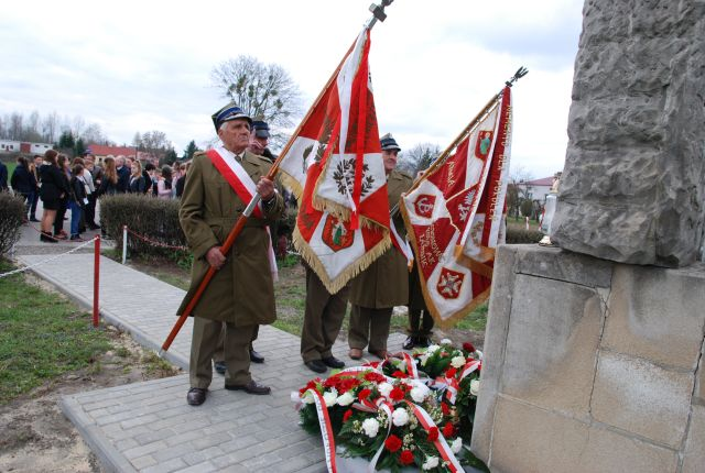 Uroczystości patriotyczno-religijne upamiętniające tragiczną śmierć młodych żołnierzy AK w Deszkowicach <b>[RELACJA, ZDJĘCIA]</b>