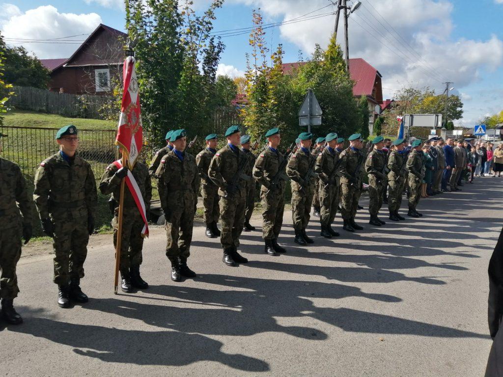 Uroczystość upamiętniająca poległych i pomordowanych mieszkańców wsi Obrocz <b>[RELACJA, ZDJĘCIA]</b>